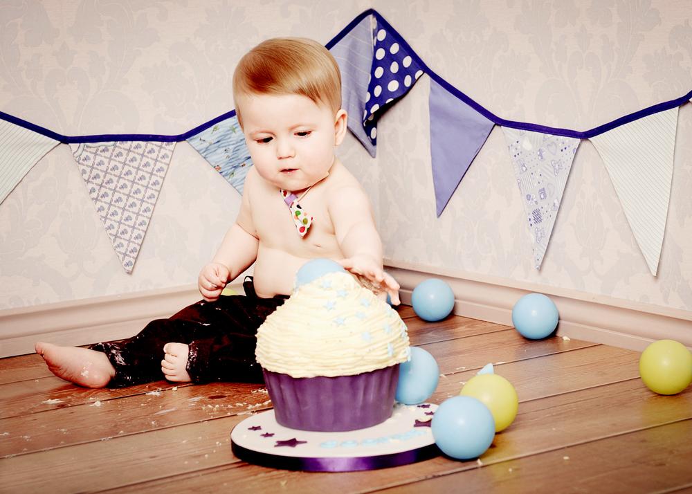 bolton-cake-smash-baby-photography-photos.jpg