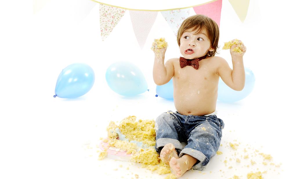 cake-smash-photos-lancashire-photography.jpg