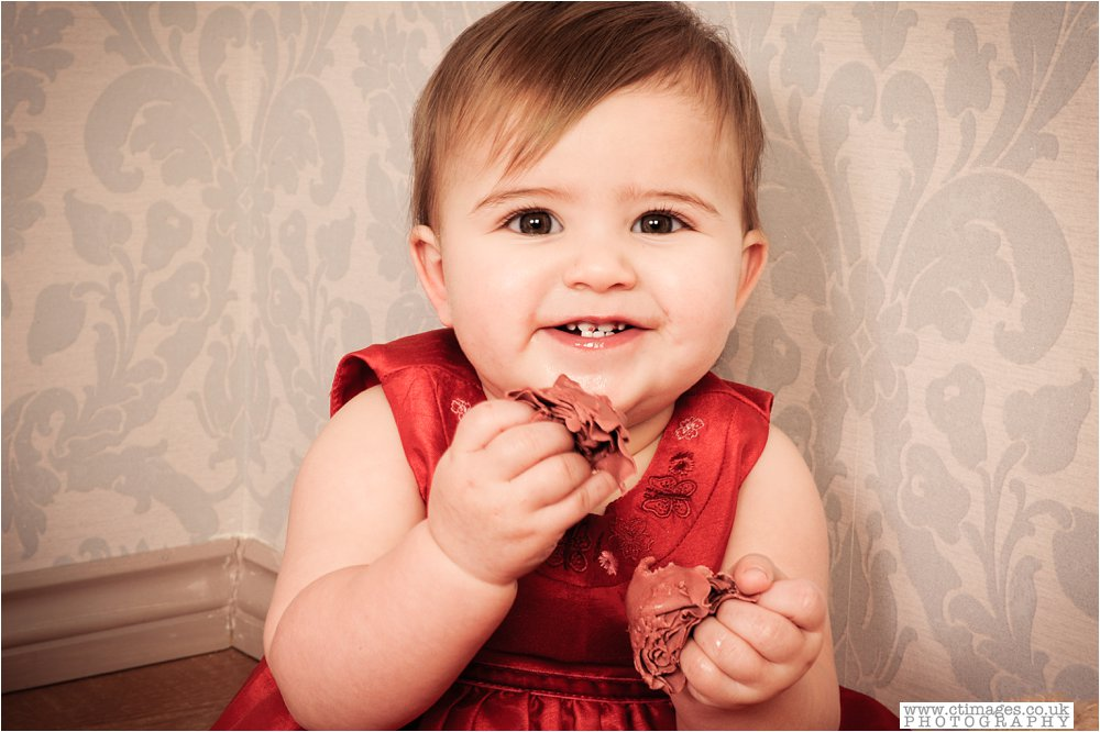 manchester-kids-cake-smash-photos-baby-photography-portraits_0004