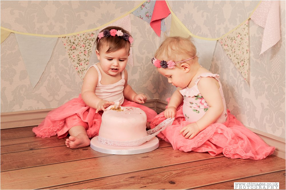manchester-kids-cake-smash-photos-baby-photography-portraits_0011
