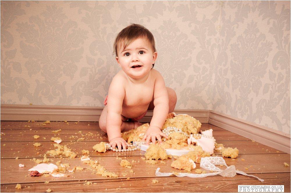 manchester-kids-cake-smash-photos-baby-photography-portraits_0012