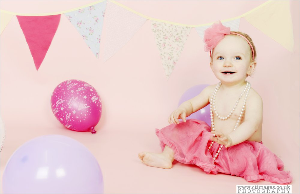 ake-smash-manchester-photos-baby-photography-cake-smash-portraits_0005.jpg