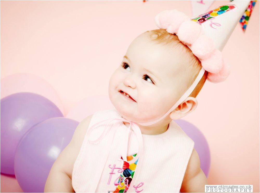 manchester-photos-baby-photography-cake-smwsh-portraits_0001.jpg