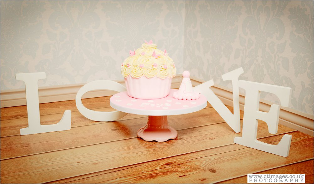 manchester-photos-baby-photography-cake-smash-portraits_0002.jpg
