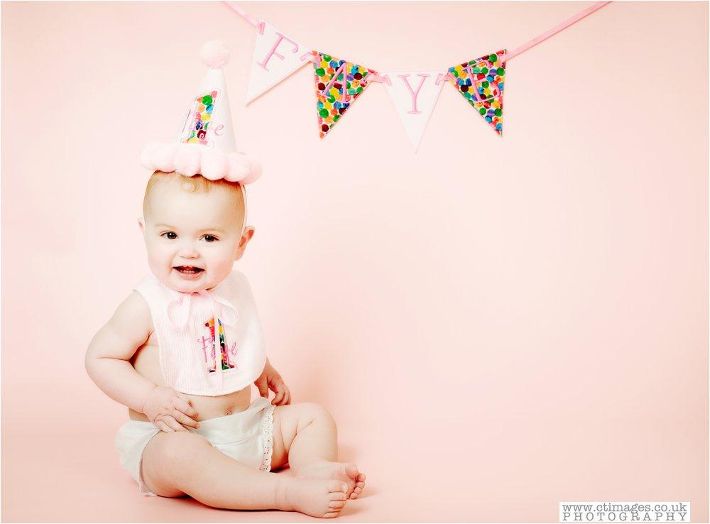 manchester-photos-baby-photography-cake-smash-portraits_0003.jpg