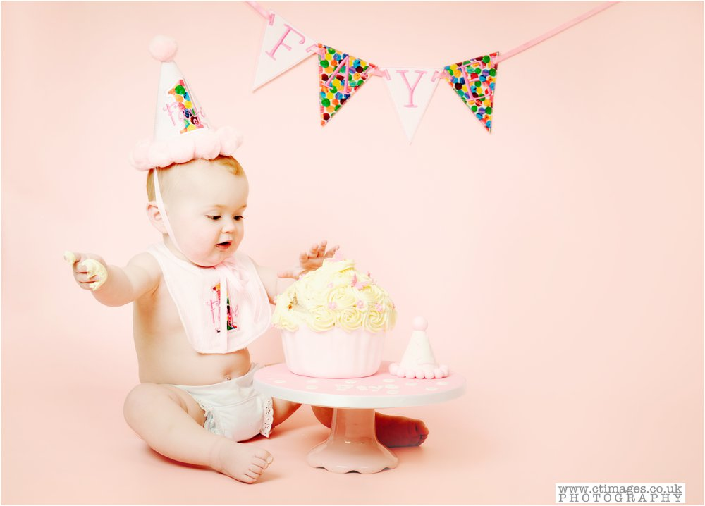 manchester-photos-baby-photography-cake-smash-portraits_0005.jpg